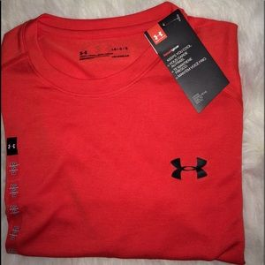 Under Armour men's T-shirt sz Lg short sleeves NWT